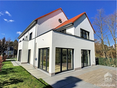 Villa for sale in Sint-Pieters-Woluwe (VAQ07831)