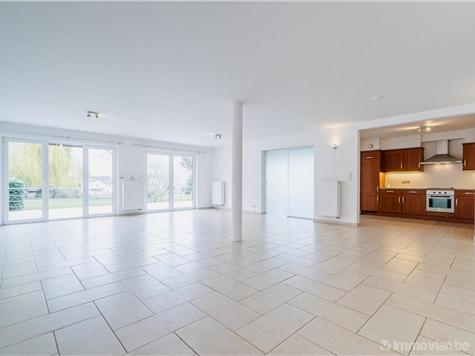 Ground floor for rent in Montigny-le-Tilleul (VAN88900)