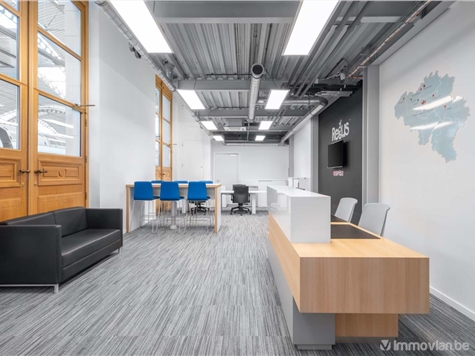 Office space for rent in Jambes (VWC93823)