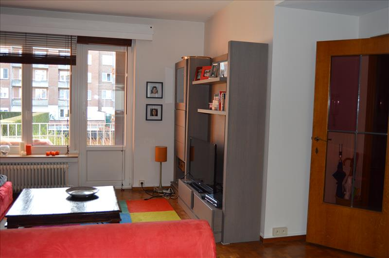 woluwe saint lambert divorced singles Rent this 1 bedroom apartment in woluwe-saint-lambert for $81/night has balcony and terrace read 1 review and view 32 photos from tripadvisor.