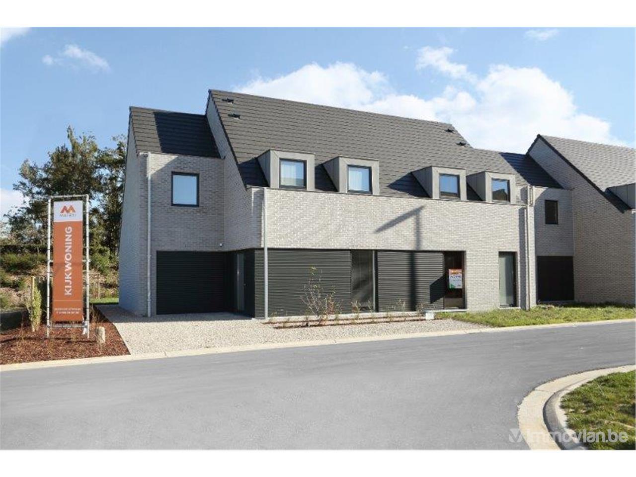 Huis te koop in meidoornstraat 2 izegem referentie for Huizen te koop izegem