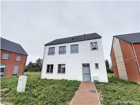 Villa for sale in Ath (VAM31416)