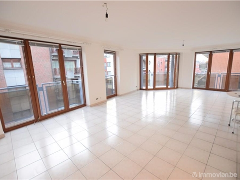 Flat - Apartment for rent in Jambes (VAM09922)