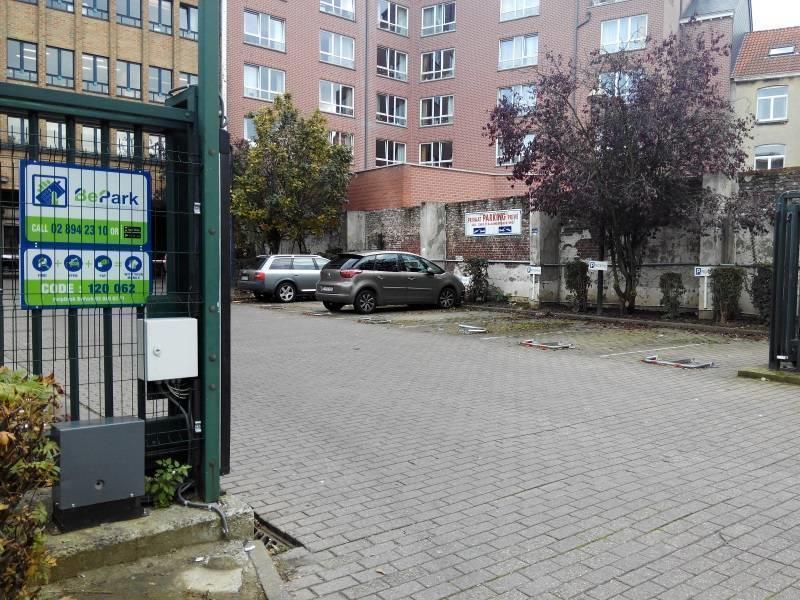 Parking à louer Forest (VAD44859)