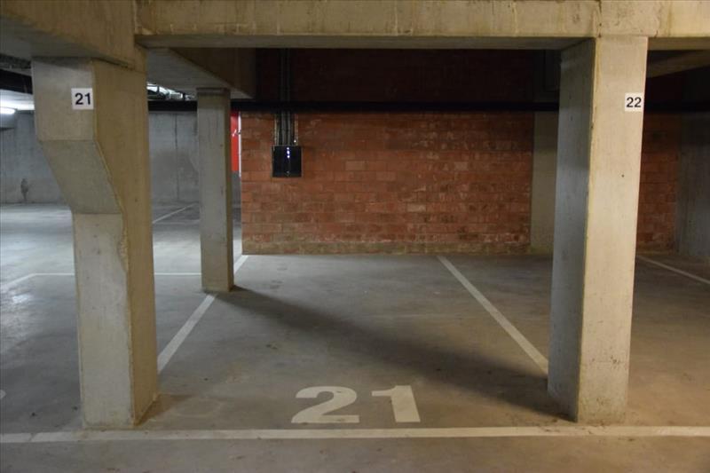 Garage à louer Sint-Kruis (RAI49943)