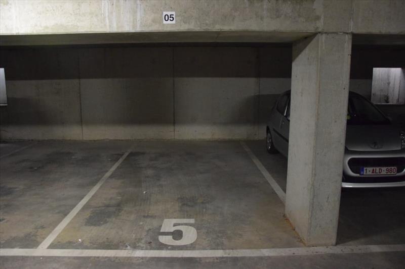 Garage à louer Sint-Kruis (RAI49947)
