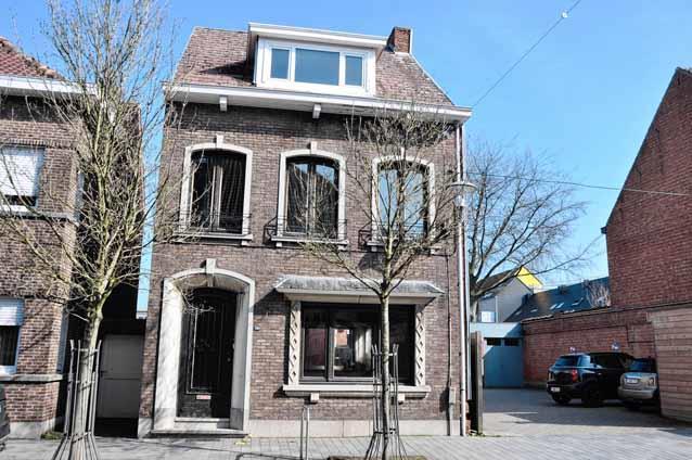 House in public sale Puurs (RAJ21781)
